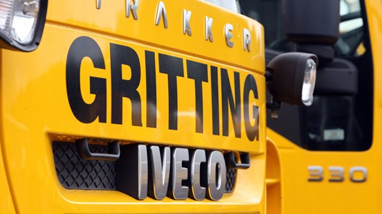Close-up on the front of a gritter