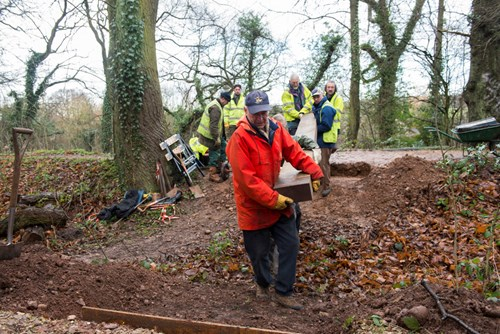 Moor pond wood volunteers